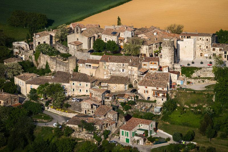 Saint-Vincent-de-Barrès, vue aérienne