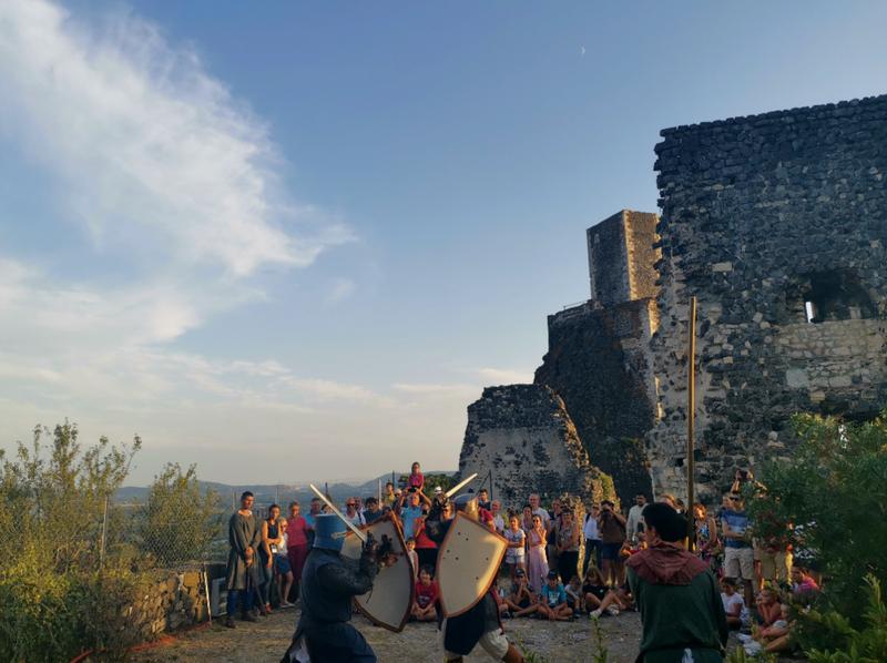 Combats médiévaux au château de Rochemaure