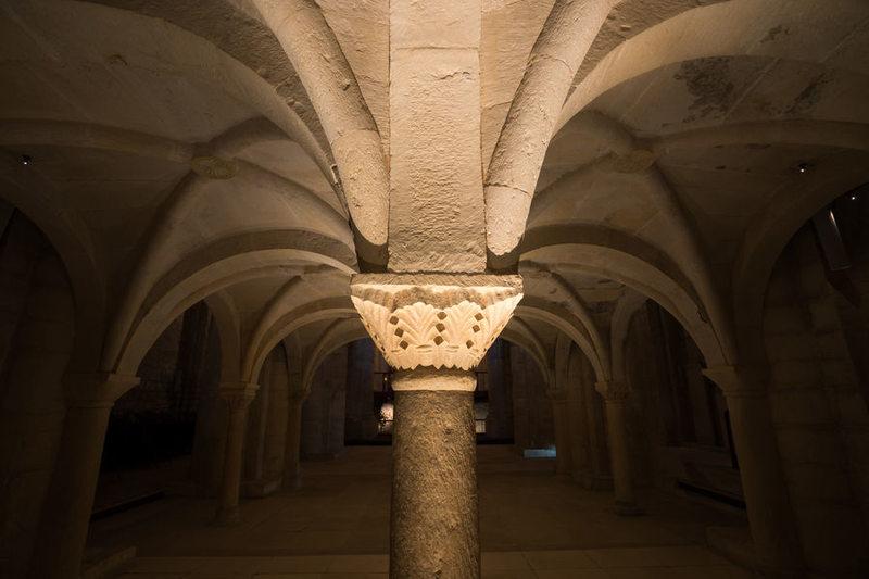 église basse tribune monastique