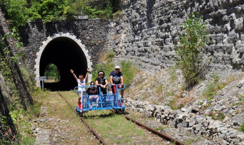 Vélorail du Sud Ardèche - St Jean le Centenier