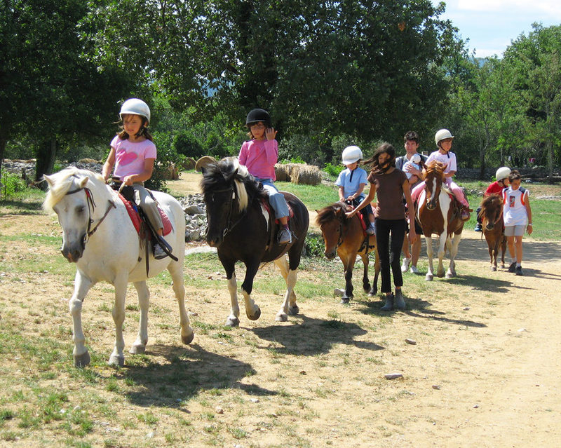 Randonnée Equestre Accompagnée - Equitation Chavetourte