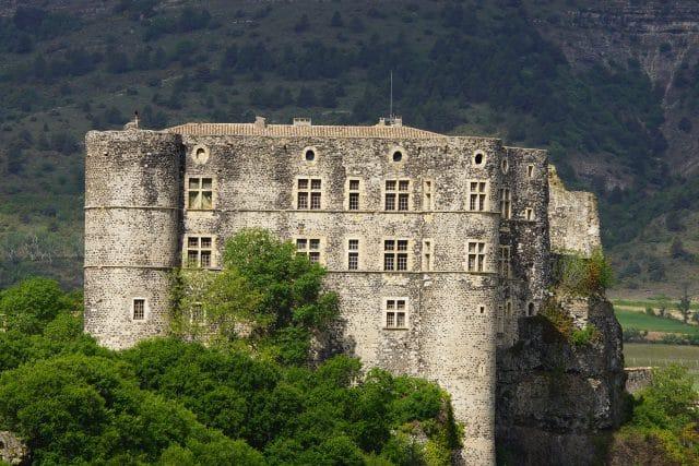 Chateau-alba-la-romaine