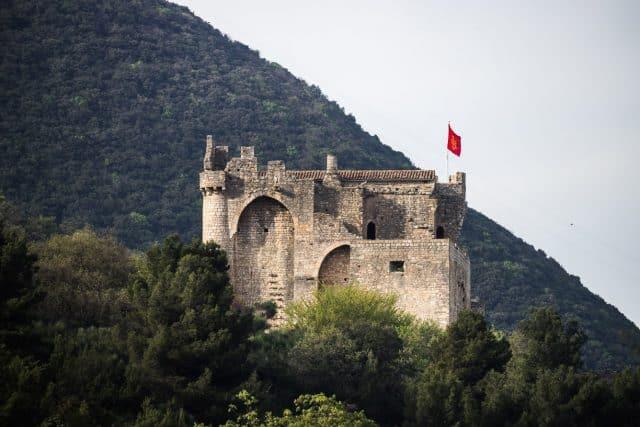 bourg-medieval-chateau-cruas