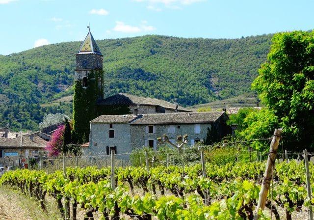 valvignere-eglise-vignes_1800x1260_acf_cropped