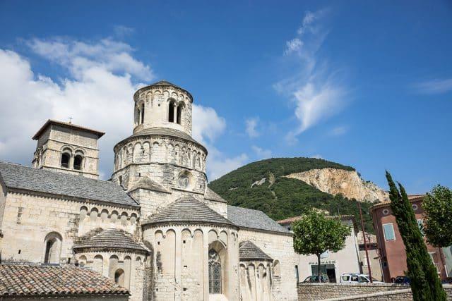 Abbatiale-cruas-tourisme-sud-ardeche-rhone