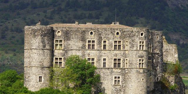 Chateau-alba-la-romaine_1800x900_acf_cropped