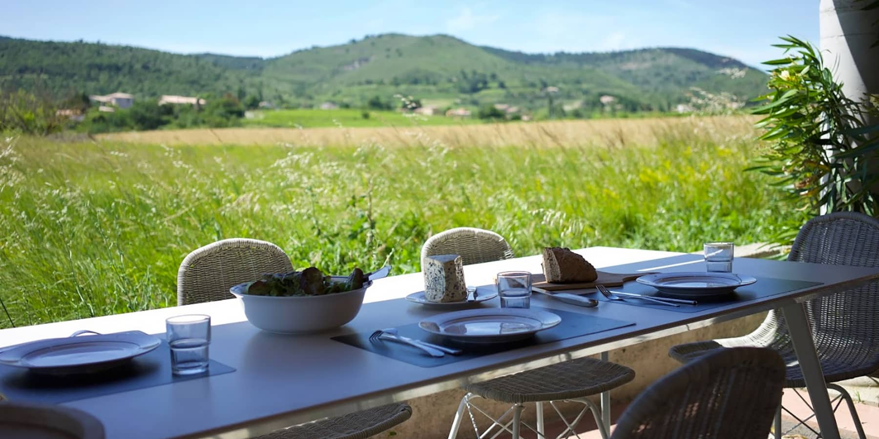 sejourner-sud-ardeche-rhone-villages_1800x900_acf_cropped